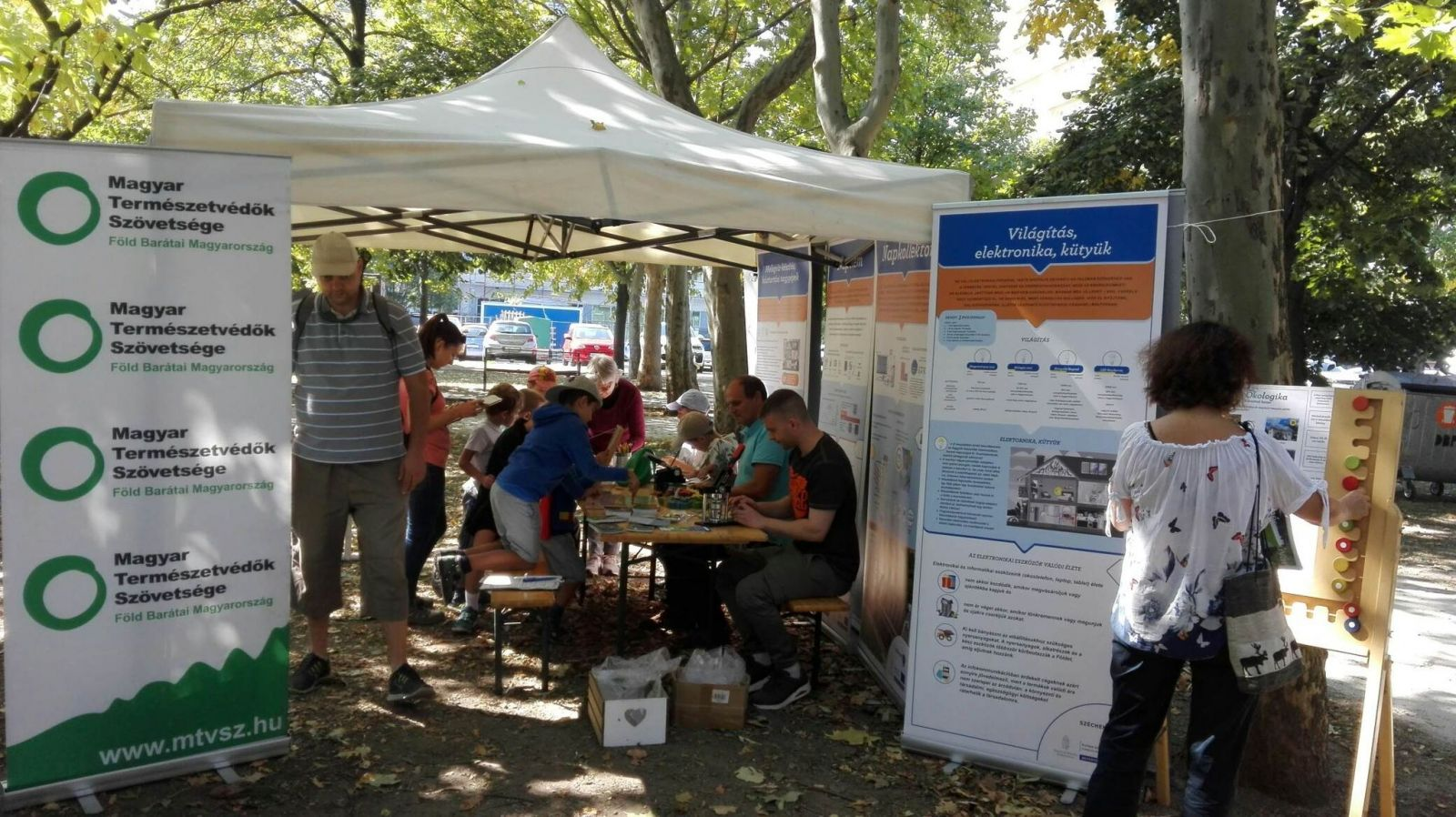 Nagy az érdeklődés Újbudán a háztartási energetikai felújítások kiállítás és tanácsadás iránt